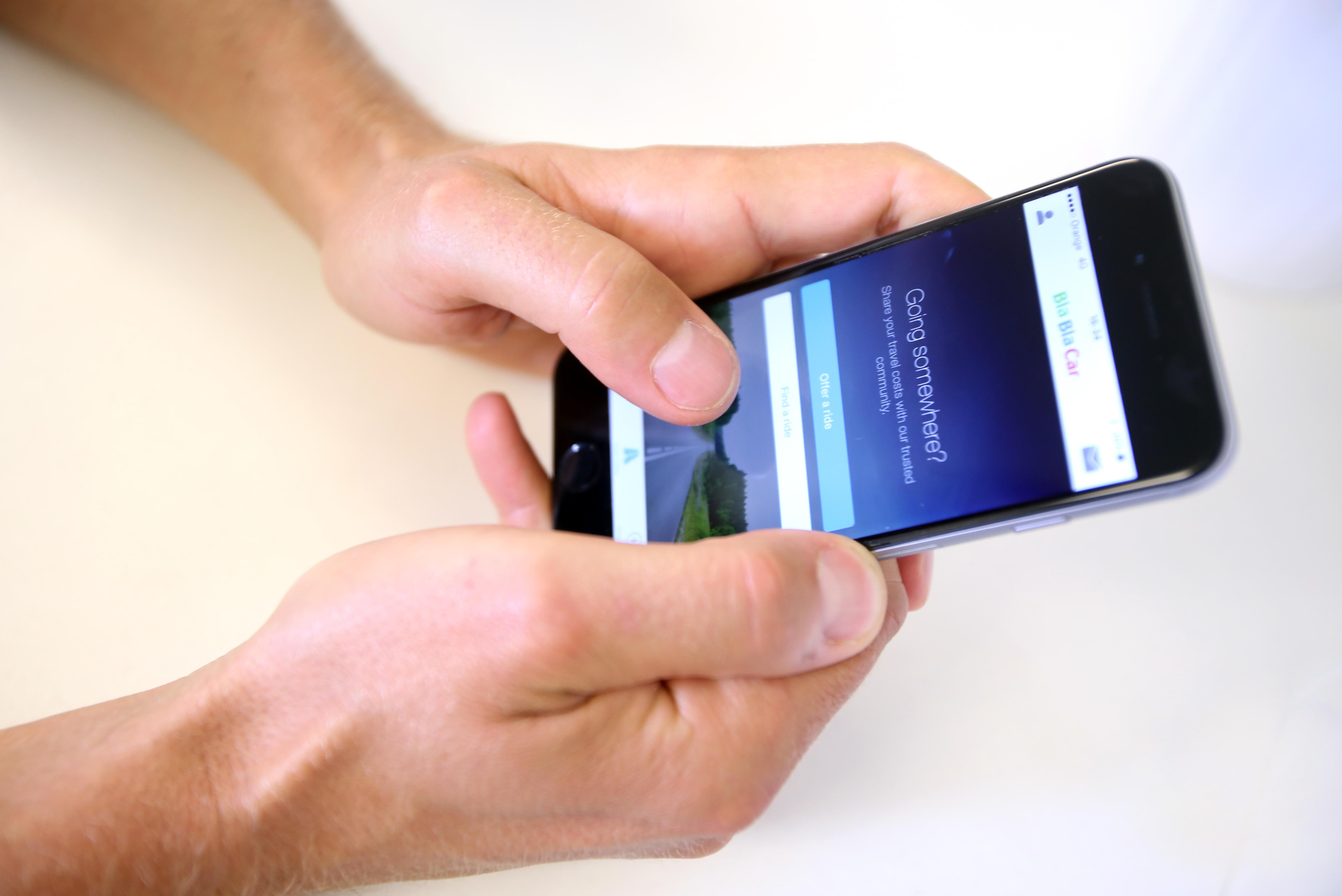 Vor der Fahrt online in der BlaBlaCar App suche
