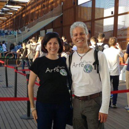 Conheça um casal que viaja pelo mundo usando a economia compartilhada