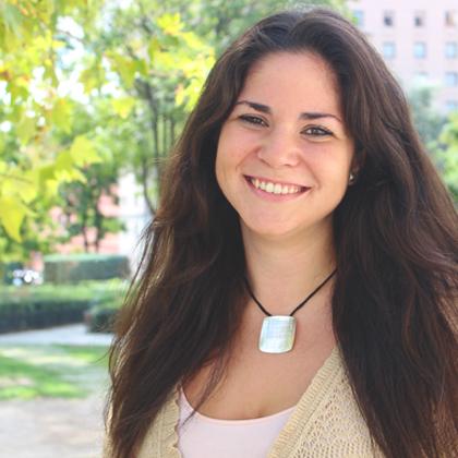 chica sonrisa Toñina estudiante de Artes Escénicas
