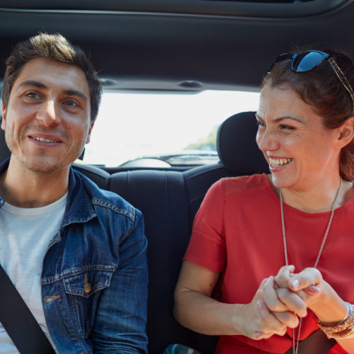 Disponible en BlaBlaCar «máximo dos pasajeros atrás»