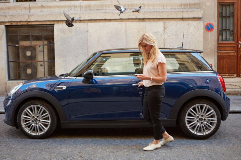 5 cose da evitare durante un viaggio in auto