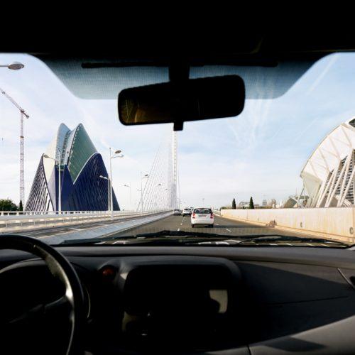Turismo y trabajo, temas de conversación preferidos por los valencianos cuando comparten coche