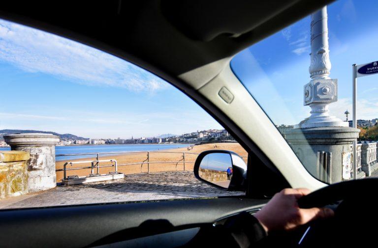 Turismo, trabajo y gastronomía, temas de conversación preferidos por los vascos cuando comparten coche